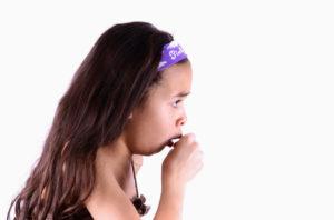 Лающий кашель у детей: лечение с помощью народных методов и медикаментов