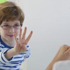 Алалия у детей: симптомы болезни и возможные способы лечения