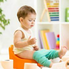 По каким причинам у ребенка возникает понос со слизью?