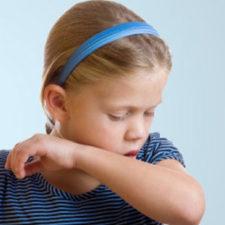 Признаки коклюша у ребенка и грамотная тактика лечения